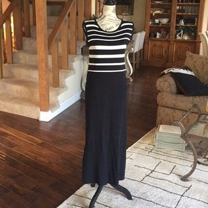 John Robert sweater dress. SIZE: M